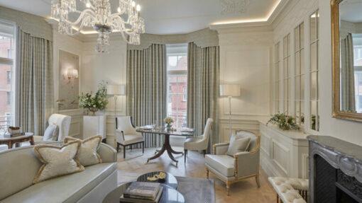 claridge's hotel corner suite sitting room