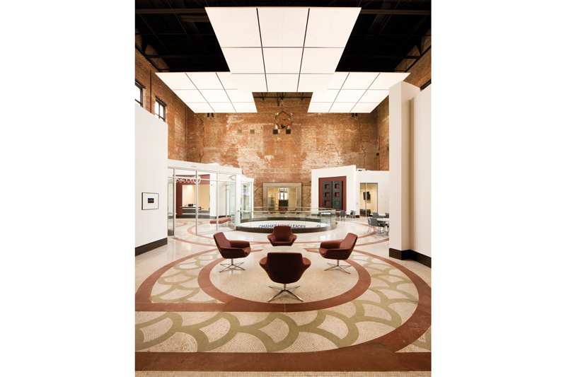 Casual meeting space in Omaha's 7 Burlington Station, designed by LEO A DALY