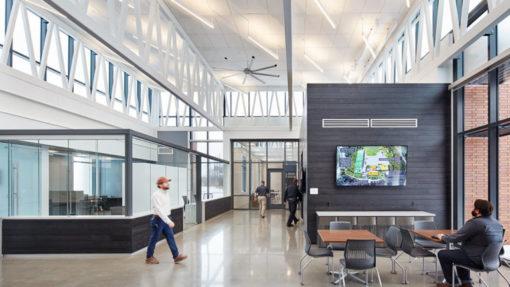 hero-center-lobby