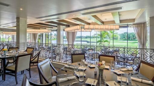 dining room overlooking golf course